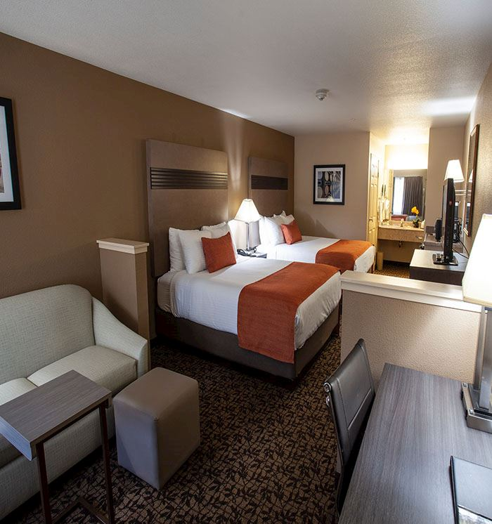 Hawthorn Suites by Wyndham Napa Valley Double Queen Bed Suite
