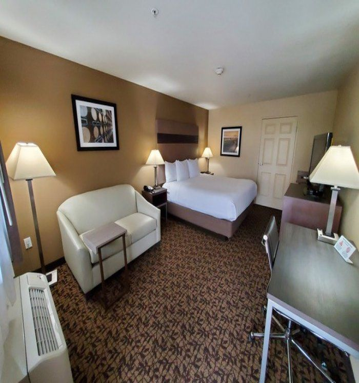 King Bed, Mobility Accessible Room, Non-Smoking